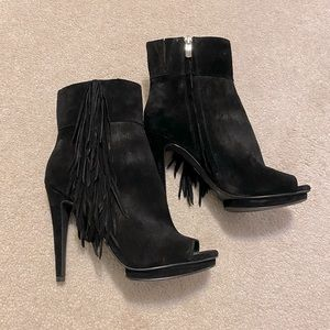**BCBG BLACK ANKLE BOOTS**